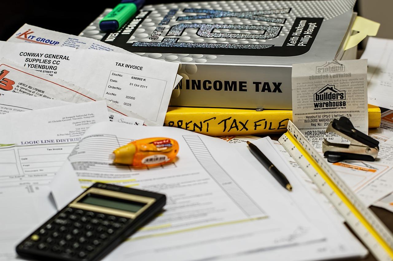 income-tax-491626_1280 by stevepb - pixabay.com